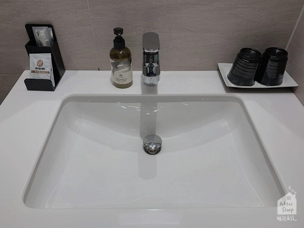 台北 新驛旅店 洗手台
