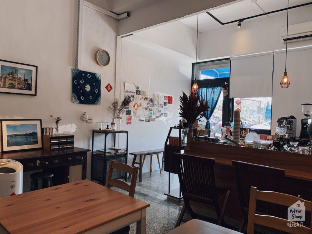 雲林崙背 鴻咖啡 店內